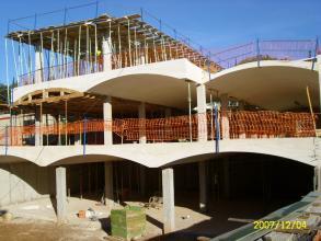 Forjados curvos realizados mediante moldes de madera. Con este sistema conseguimos tener la misma curva en todas los techos, y los mismos cantos en los extremos