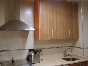 Reformamos tu cocina entera y la amueblamos también si es tu deseo