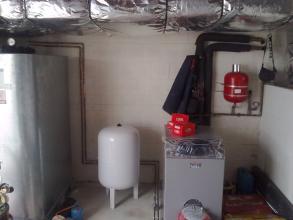 caldera de gasoil de apoyo con deposito de gasoil